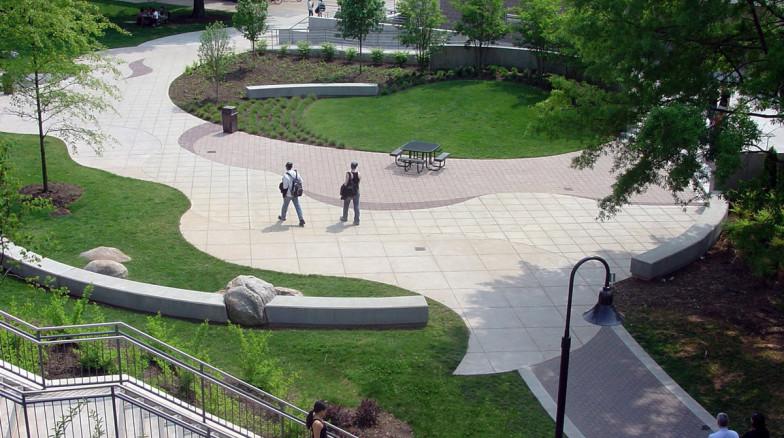 Surface 678 - Daniels Plaza
